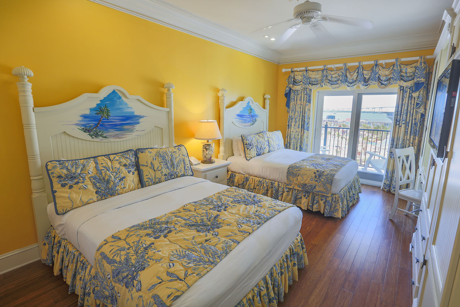 Two-Bed Queen Suite with View of the Ocean