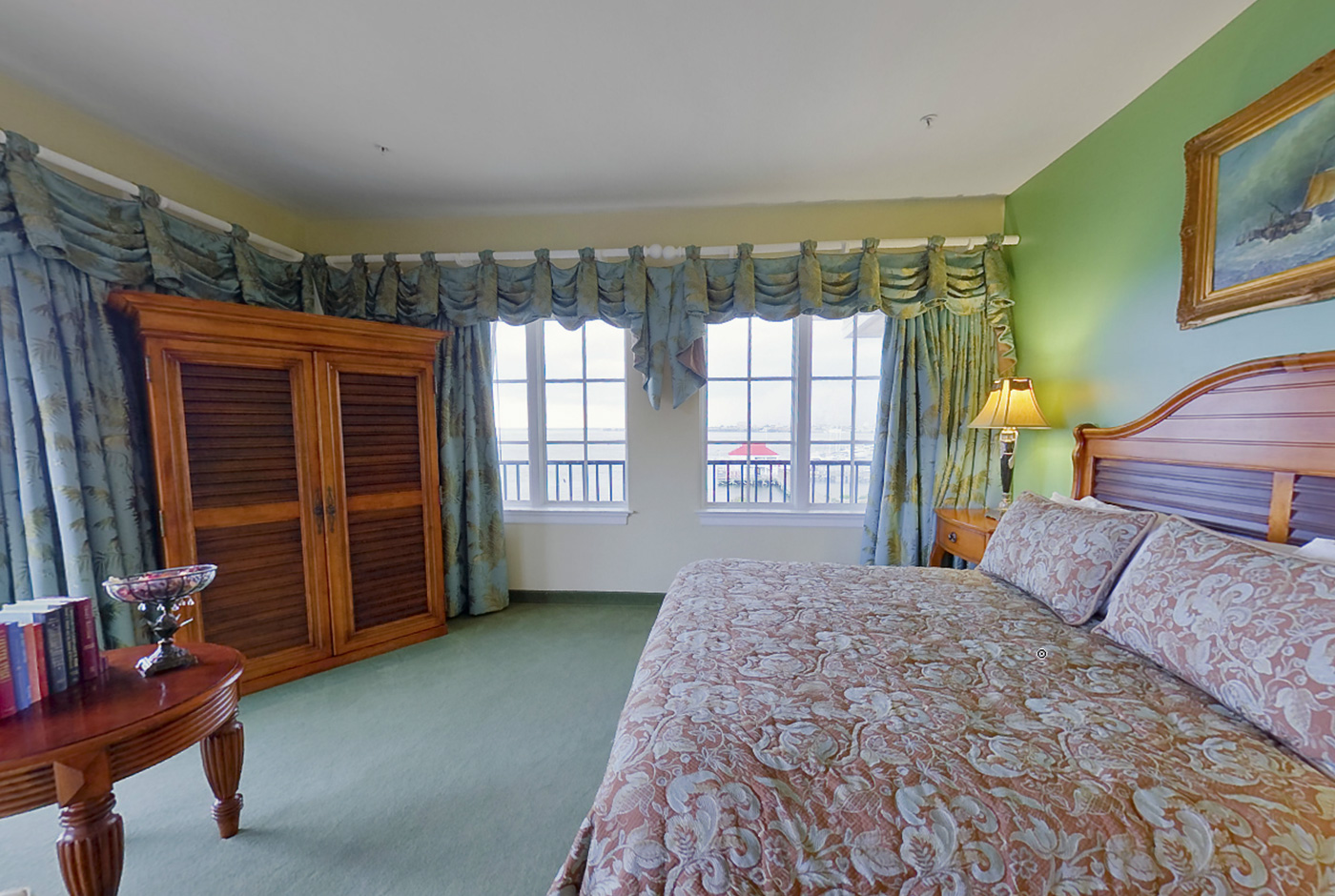 Spacious Waterfront Hotel Suite at Harborside Resort